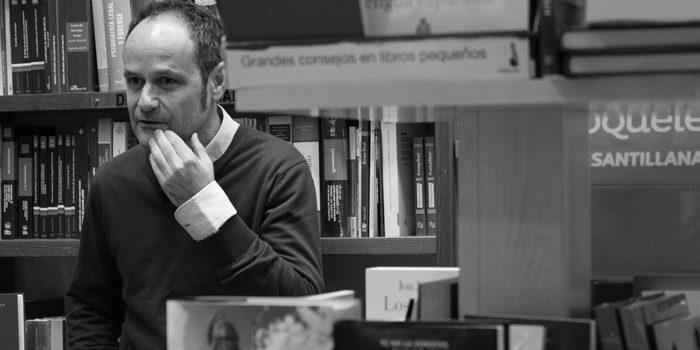 Héctor Escobar: «En una sociedad culta la figura del librero debería ser especial y esencial»